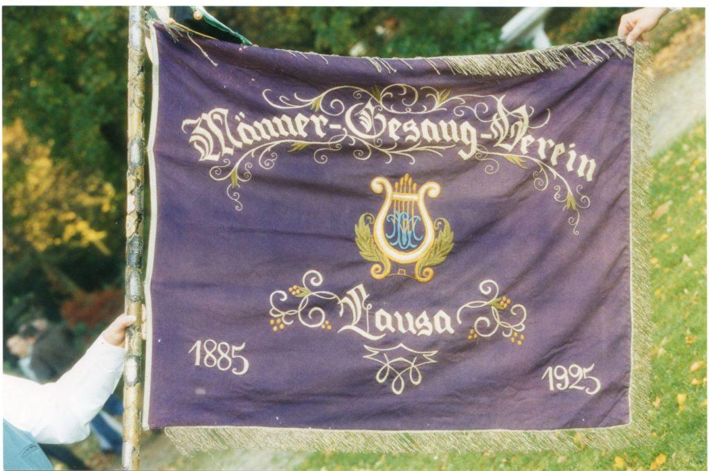 Die Vereinsfahne des Chores wurde ab 1933 bis 1990 an verschiedenen Orten versteckt. Selbst die Kinder der Sangesbrüder durften sie nicht zu Gesicht bekommen.